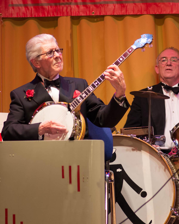 PTK57191 - 8x10-banjoist